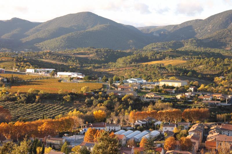 Blick auf das herbstliche Vernazobre Tal