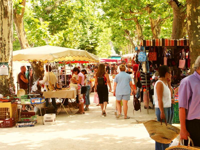 Wochenmarkt in Saint-Chinian
