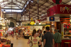 In der Markthalle in Narbonne