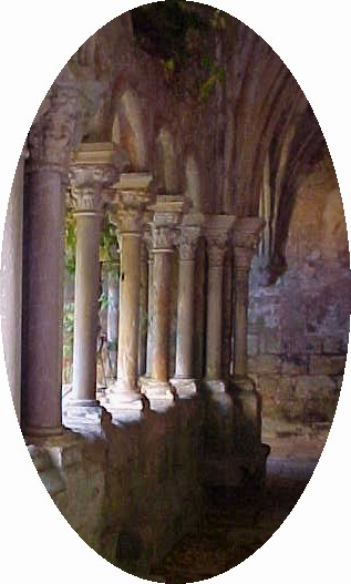 Fontfroide Abbaye Cloister