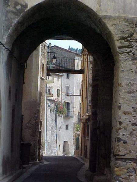 Roquebrun street